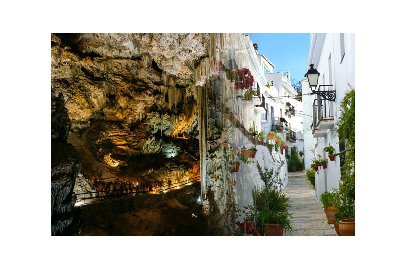 GUIDED TOUR TO THE SEA OF CAVES: NERJA, FRIGILIANA & ALMUNECAR